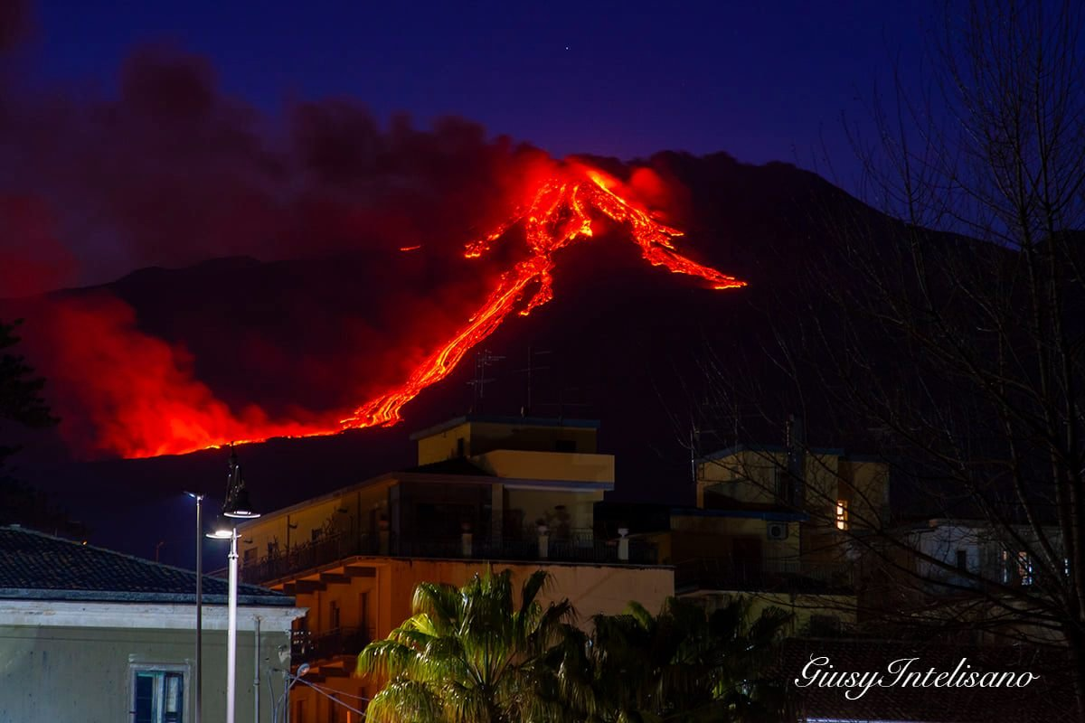 1st eruption, 16th feb 2021. Etna from town Riposto, Giusy Intelisano