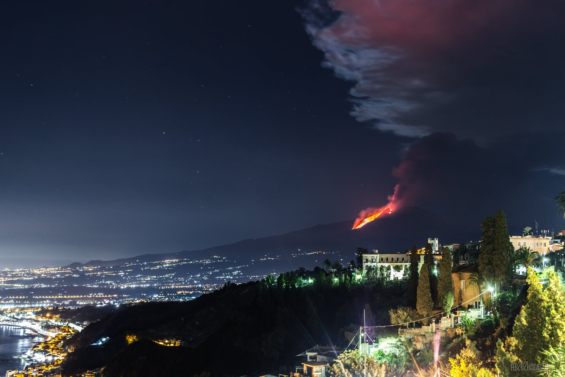5th eruption, 23th feb 2021. View from Taormina, Dasalpi Travel