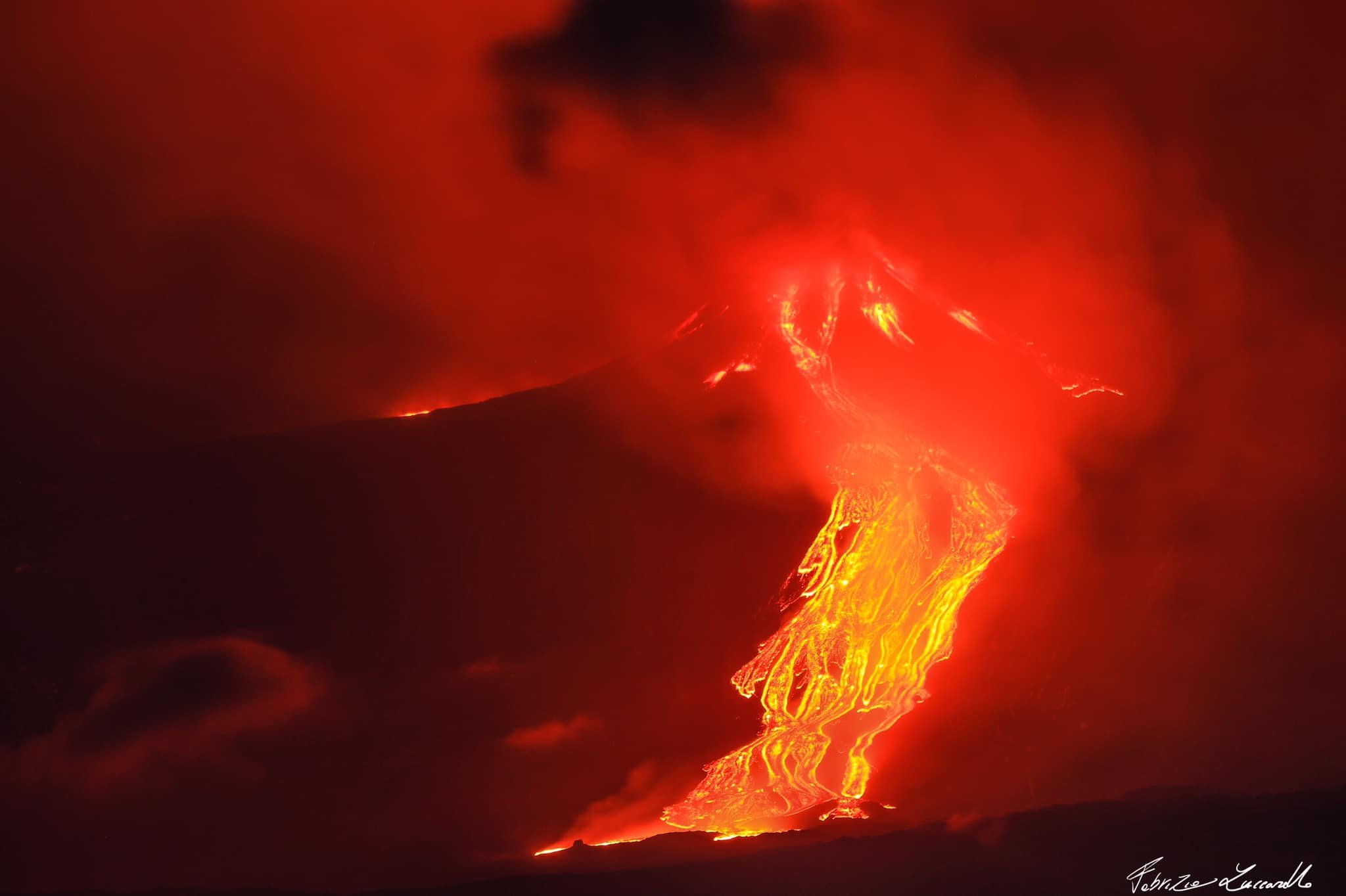 2nd eruption, 18th feb 2021. Etna with its lava flows, F. Zuccarello