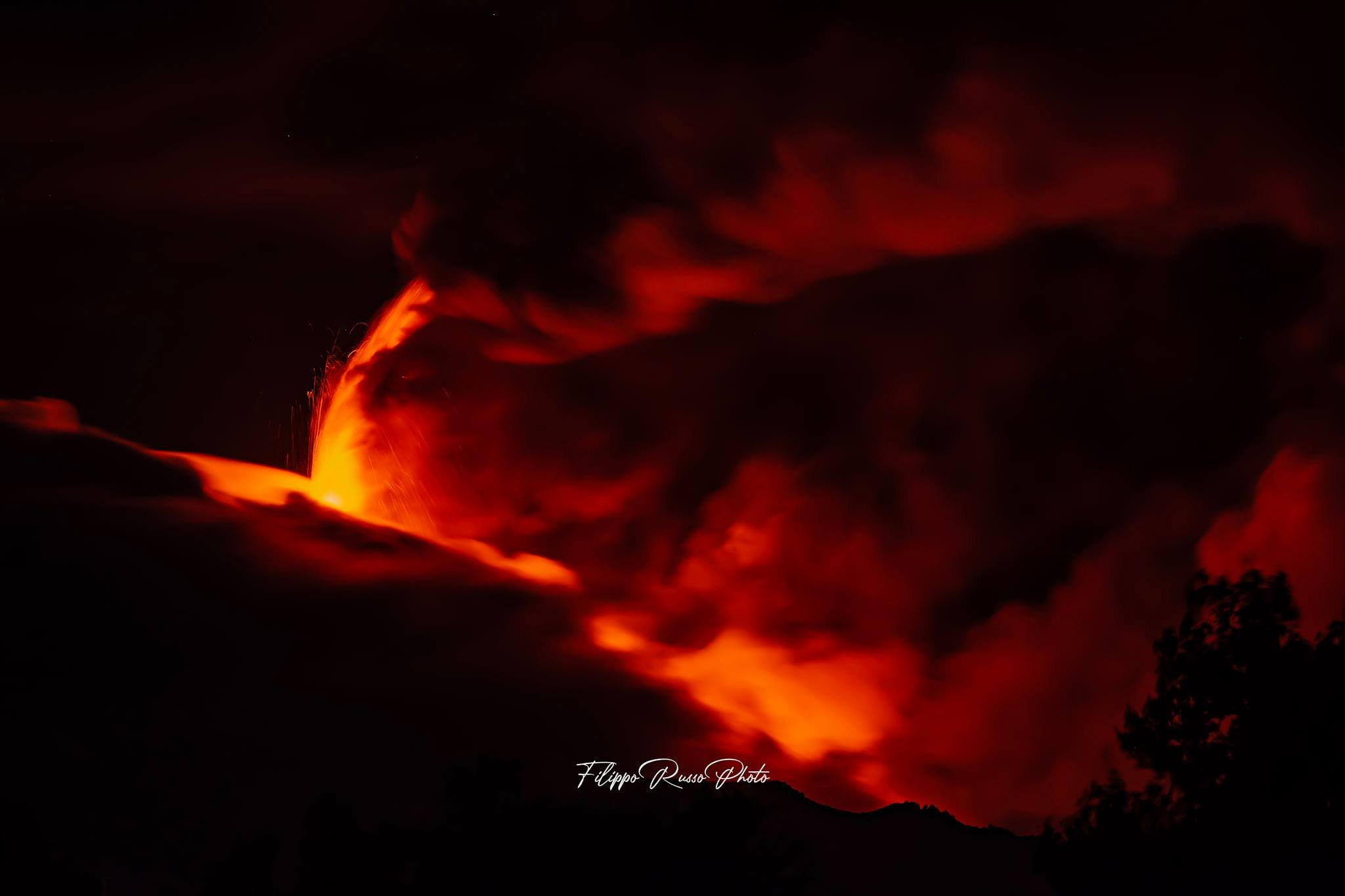 11th eruption, 10th mar 2021. Painting a fountain of lava, F. Russo