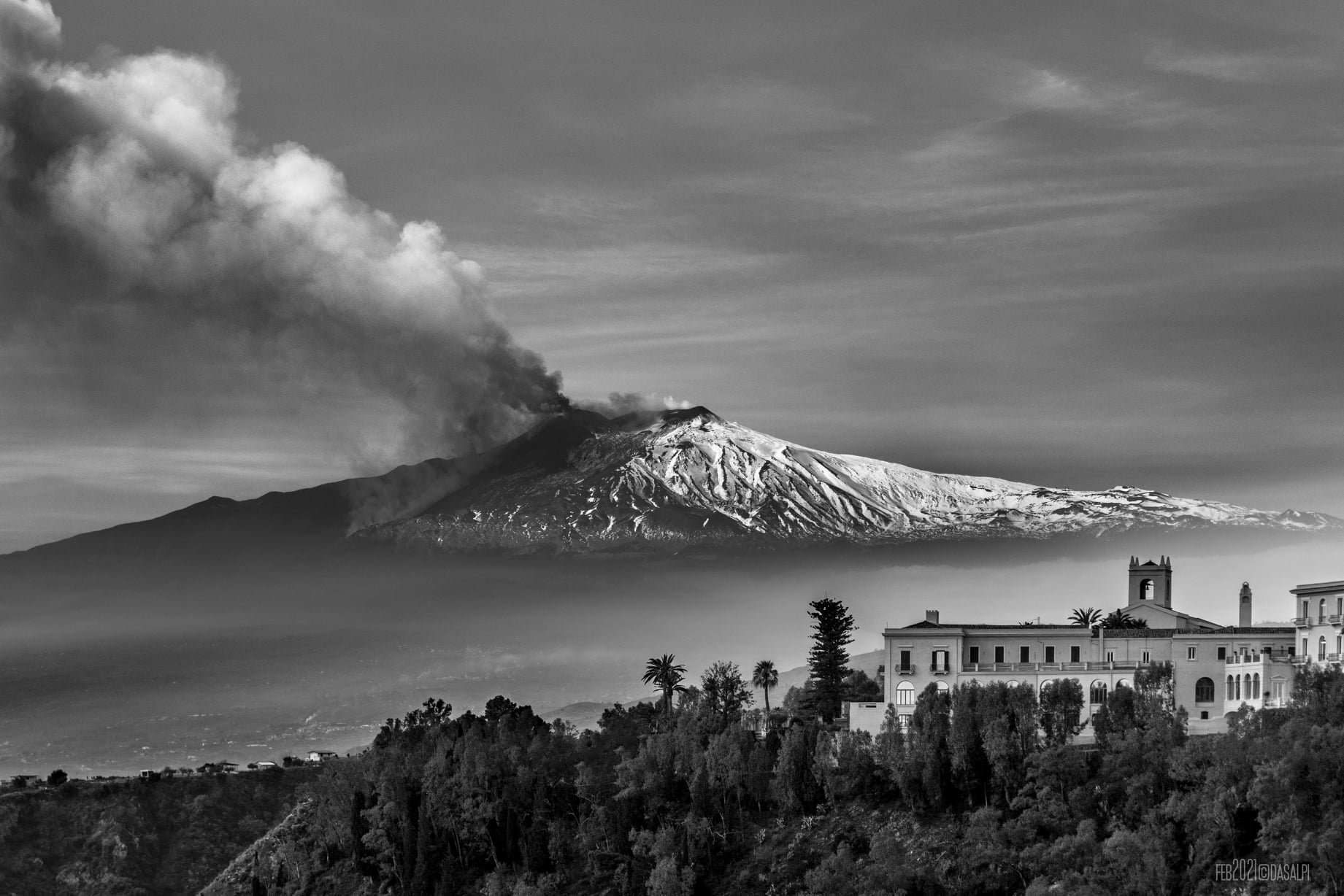 3rd eruption, 19th feb 2021. View from Taormina, Dasalpi Travel